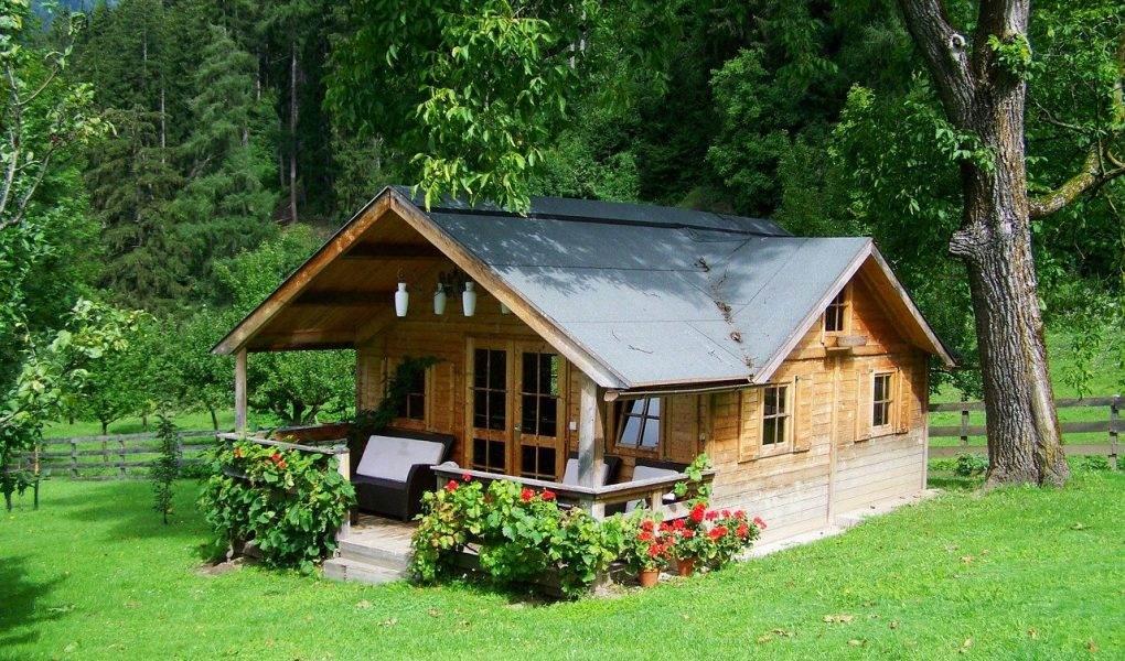 case mici si cochete